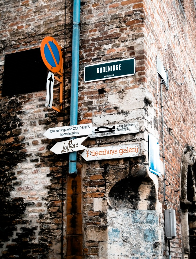 Wall and street signs - Belgium