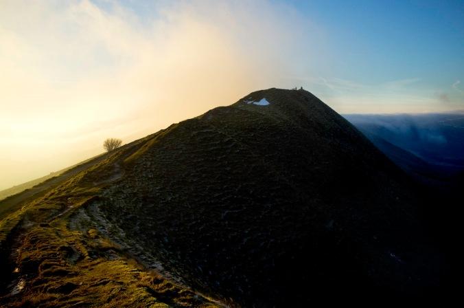 Clouds along the ridge